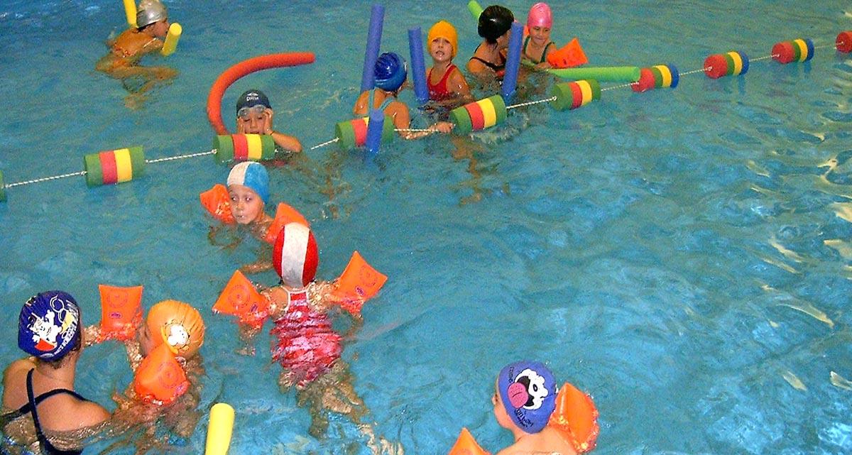 Corsi di nuoto per bambini ed adulti corsi di nuoto lecco - Piscina con palline per adulti ...